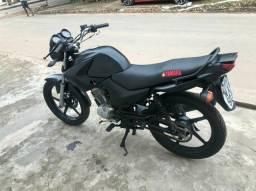 Moto factor 125.  3.800$