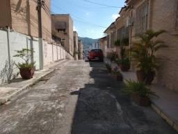 Casa de vila, 3 quartos com garagem na Cristóvão Colombo no Cachambi