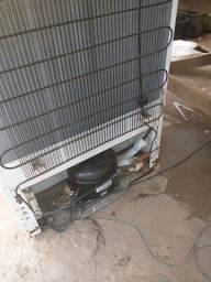 Vendo motor de geladeira funcionando perfeitamente