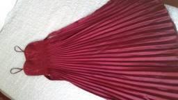 Vestido social longo de cetim vermelho