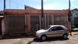 Casa em Cosmópolis-SP. (CA0049)