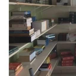 Vendo acervo com mais de 3000 livros para sebo