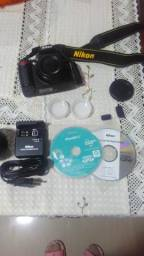 Camera Semi Profissional Nikon D3000