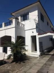 Casa à venda com 7 quartos no Bairro da Encruzilhada