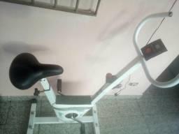 Esteira e bicicleta