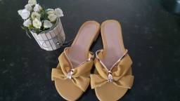 Sandálias novas, nunca usadas
