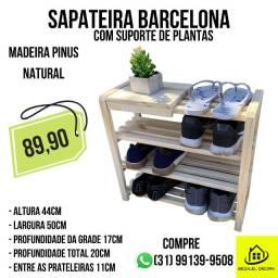 Sapateira em Madeira Pinus modelo Barcelona com Suporte de Plantas