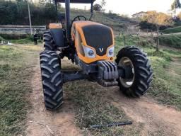 Trator Agrícola Valtra A750 4x4 ano 2014 com redutor  980 já originais  Semi Novo