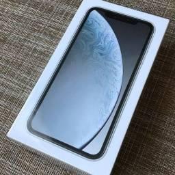 Troco iPhone XR lacrado