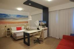 Flat à venda no Comfort Suites Alphaville com 1 vaga e 1 dormitório!