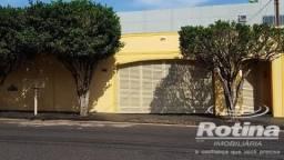Casa à venda, 4 quartos, 2 vagas, Osvaldo Rezende - Uberlândia/MG
