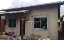 Casa de 2 qts (1 suite), cozinha, sala, churrasqueira, próximo a praia