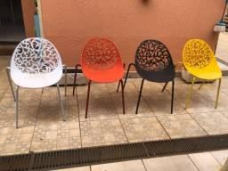 Jogo cadeiras coloridas modernas