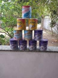 Latas de Pediasure/ Ensure e leite ninho.