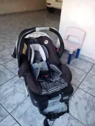 Bebê Conforto + Base de segurança de rápida conexão para carro