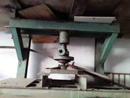 Prensas manuais antigas grandes e pequenas usadas vários modelos