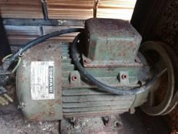 Motor Elétrico Trifásico 1 CV