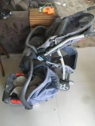 Carrinho de bebê e cadeirinha