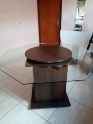 Mesa de vidro com centro giratório