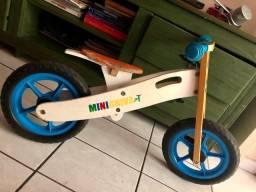 Bicicleta clássica de equilíbrio para crianças
