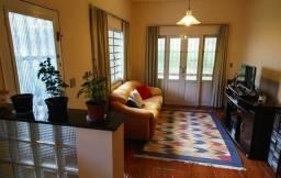 Vendo - casa com 2 dormitórios em bairro nobre de São Lourenço - MG
