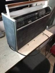 Título do anúncio: Radio Philco Ford Transglobe Solid State 9 Band Antigo