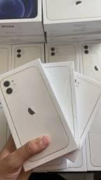 Título do anúncio: iPhone 11 Lacrado 1 ano de garantia APPLE