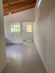 Título do anúncio: Edícula com 01 dormitório e garagem coberta