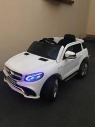 Carro infantil elétrico