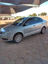 Polo Sedan Prata  9/10 Automático, completo Flex.
