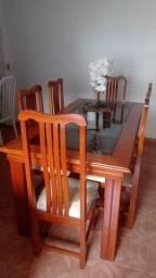 mesa de Madeira Maciça + 6 cadeiras, com centro de vidro reforçado fumê *Conservadíssima<br>