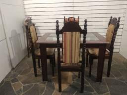 Título do anúncio: Mesa 1,15x85 c/2 vidros + 4 cadeiras coloniais maciças