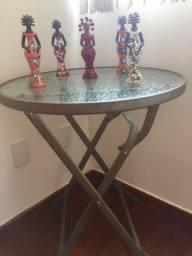 Título do anúncio: Mesa redonda vidro com 5 artes bonecas