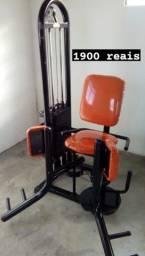 Cadeira Adutora, laranja - Aparelho de Musculação