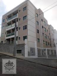 Apartamento 2 quartos, sala, varanda, banheiro social, cozinha com armários, área de servi
