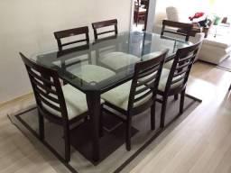 Mesa de vidro c/ 6 cadeiras estofadas
