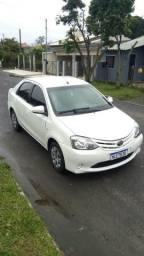 Toyota Etios completo - 2014