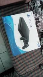 PlayStation 4 novo 2 mes de uso