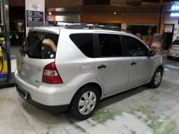 Nissan Livina 1.8 automática 2010 - 2010
