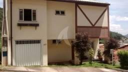 Casa Duplex no centro de Domingos Martins