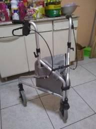 Andador triciclo