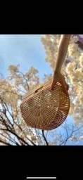 Bolsa de bambu vazado