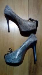 Sapato Loucos & Santos