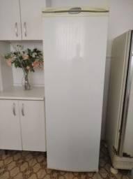 Refrigerador Electrolux R360