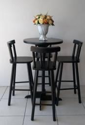 Banquetas * mesas * Madeira maciça