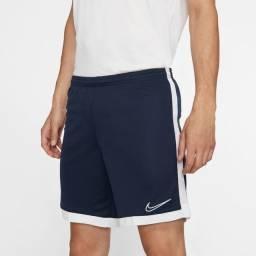 Short Nike Dry Academy Original. Tamanho M