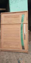 Porta pivotante  na madeira jatobá
