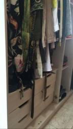 Vende-se guarda-roupa Campo Largo