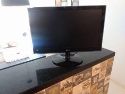 Monitor LG LED 500.00$