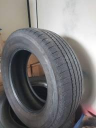 4 Pneus Bridgestone 265/70/R18